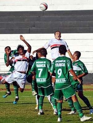 No sufoco, Botafogo vence Francana na Copa Paulista (Foto: Rafael Martinez / Assessoria BFC)
