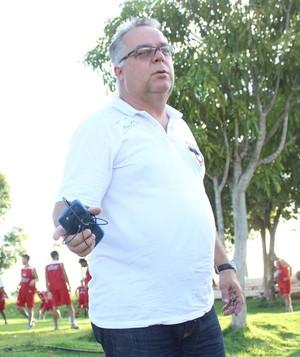 Josué Teixeira, treinador do River-PI (Foto: Marco Freitas )