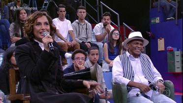 Camila Pitanga faz o pai chorar ao falar de sua trajetória
