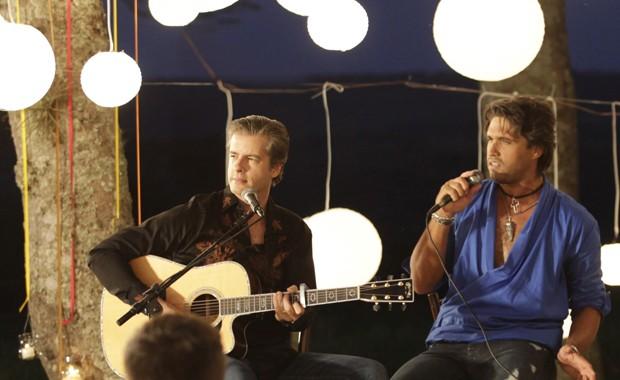 Victor e Leo, que lançam em 2013 o disco 'Viva por mim' (Foto: Divulgação)