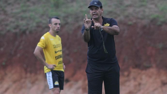 Moacir Júnior Paulo Sérgio Criciúma (Foto: Fernando Ribeiro/www.criciumaec.com.br)