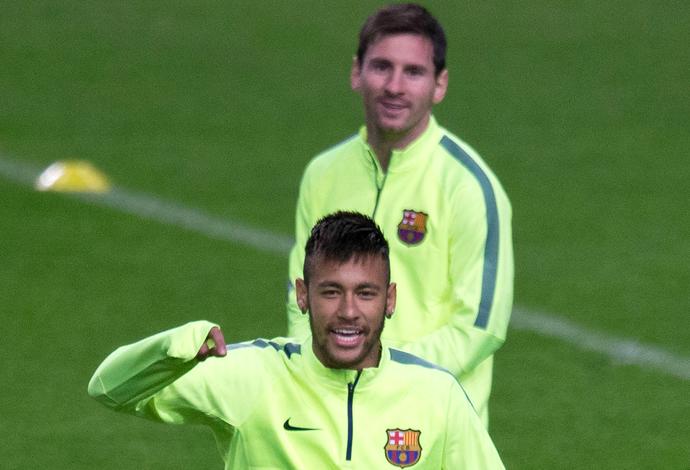 Neymar e Messi treino Barcelona (Foto: AP)