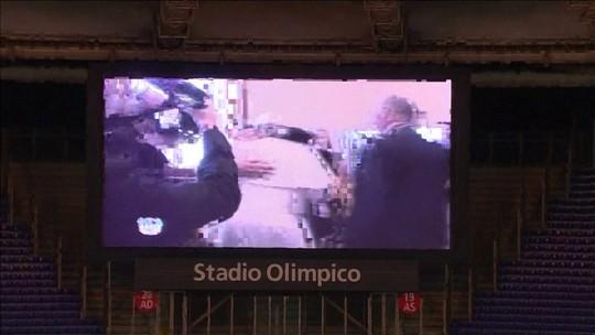 Para o bem e para o mal: Maradona  dá show em duelo com R10 na Itália