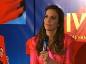 Ivete Sangalo dá entrevista coletiva em SP (Foto: Reprodução)