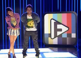 """Manu e Davi lançam o desafio 4 do Filma-e: """"Ola coletiva"""" (Foto: Parker TV)"""