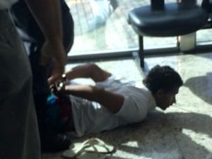 Homem foi detido pelos seguranças da universidade (Foto: Divulgação/Polícia Militar do RN)