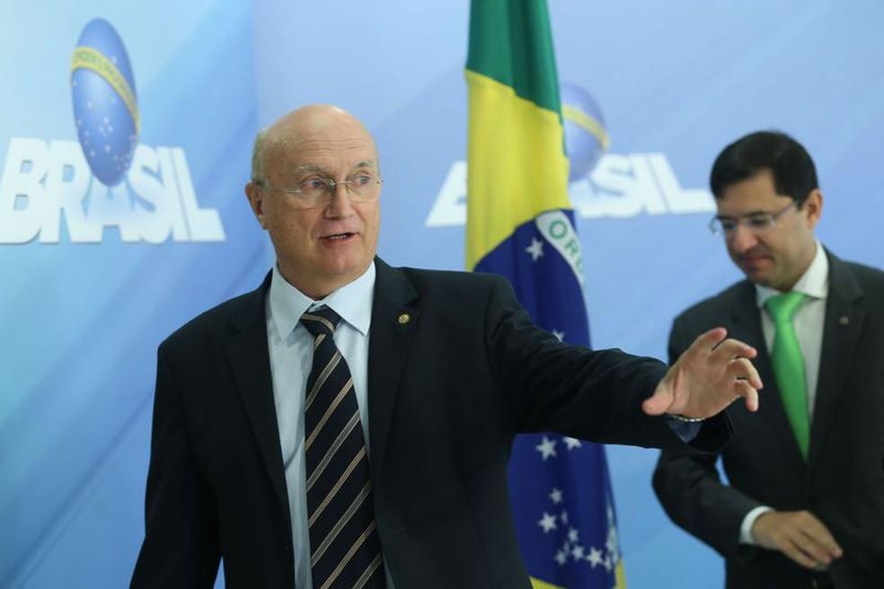 O ministro da Justiça, Osmar Serraglio, durante entrevista no Palácio do Planalto (Foto: Antonio Cruz / Agência Brasil)