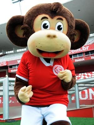 Escurinho, mascote que imita um macaco na torcida do Inter (Foto: Divulgação/Inter)