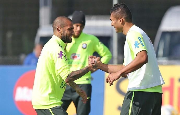 Daniel Alves - treino da Seleção (Foto: Rafael Ribeiro / CBF)