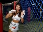 Ex-BBB Franciele Almeida posa vestida de lutadora