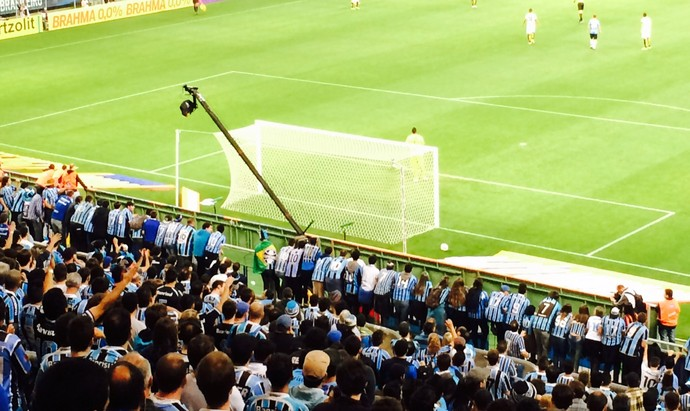 Torcida gremio x santos arena aranh (Foto: Tomás Hammes/GloboEsporte.com)