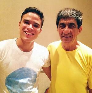 Fagner assistiu às apresentações de Lessa no The Voice Brasil e convidou o jovem cantor para uma parceria. (Foto: Arquivo Pessoal)