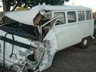 Idoso de 78 anos morre em acidente envolvendo três veículos na BR-153