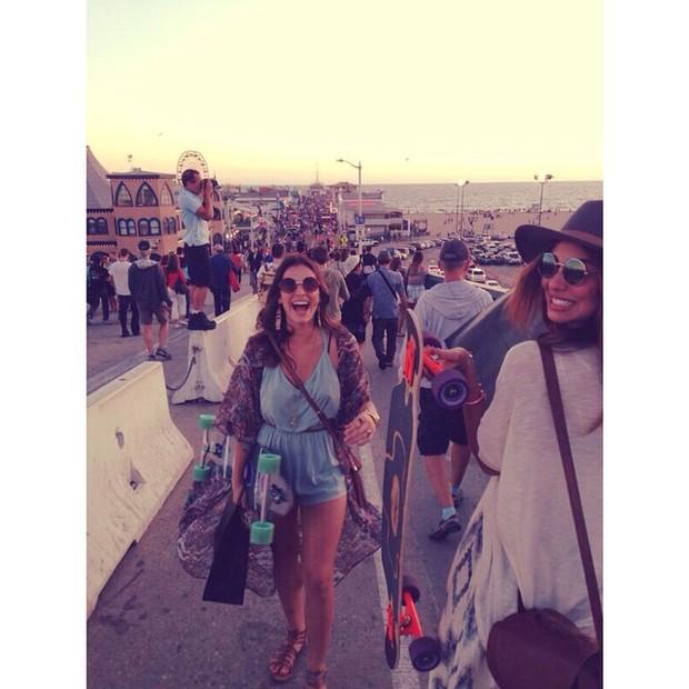 Bruna Marquezine e Stéphannie Oliveira em Los Angeles, nos EUA (Foto: Instagram/ Reprodução)
