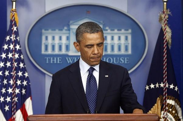 Presidente dos EUA, Barack Obama, fala sobre as explosões de bomba na maratona de Boston (Foto: Charles Dharapak/AP)