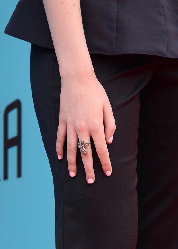Elle Fanning na première de The Boxtrolls, em Los Angeles (Foto: AFP)