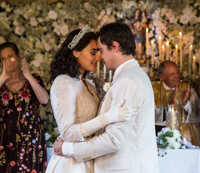 Candinho e Filó se casam (Foto: Ellen Soares/Gshow)