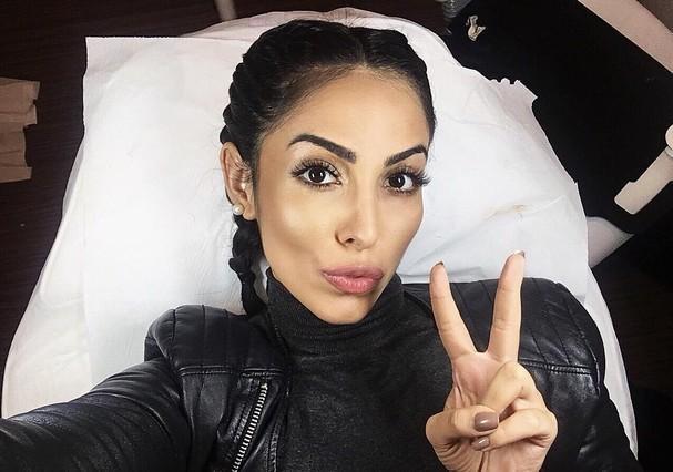 Jade Seba mostra extensão de cílios em selfie nas redes  (Foto: Reprodução Instagram)