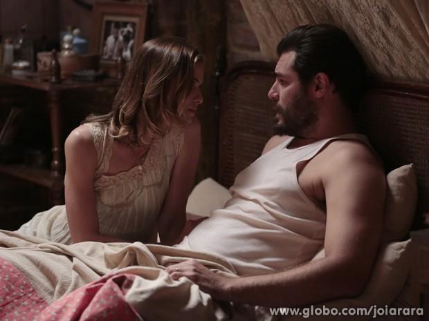 Toni diz para Hilda que eles sempre ficarão juntos (Foto: Felipe Monteiro/TV Globo)