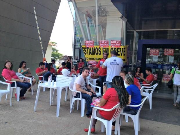 Greve dos bancários no Acre chega ao terceiro dia  (Foto: Veriana Ribeiro/G1)
