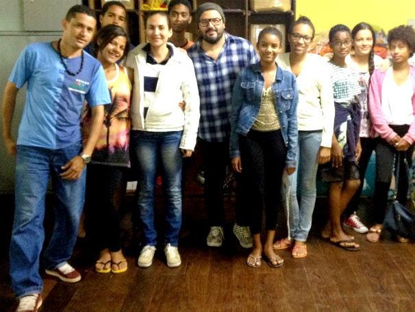 Artista plástico Rogério Fernandes visita instalações da futura sede do ECE-BH (Foto: Divulgação)