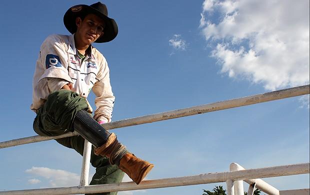 Leandro Ghiglia perdeu parte da perna aos 15 anos (Foto: Cleber Akamine)