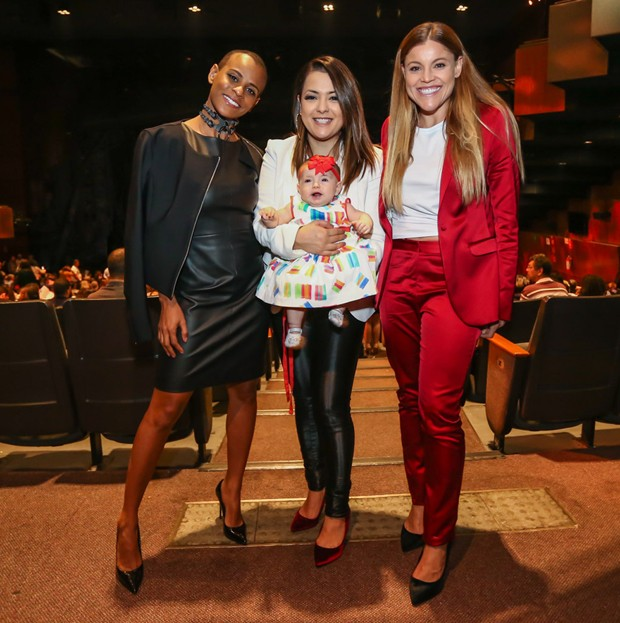 Aline Wirley, Lissah Martins, com sua Antonella, e Fantine Thó (Foto: Manuela Scarpa/Brazil News)