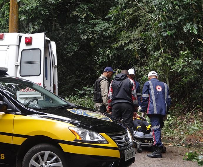 Advogado fica desacordado e é resgatado (Foto: Juliana Lessa/Gshow)