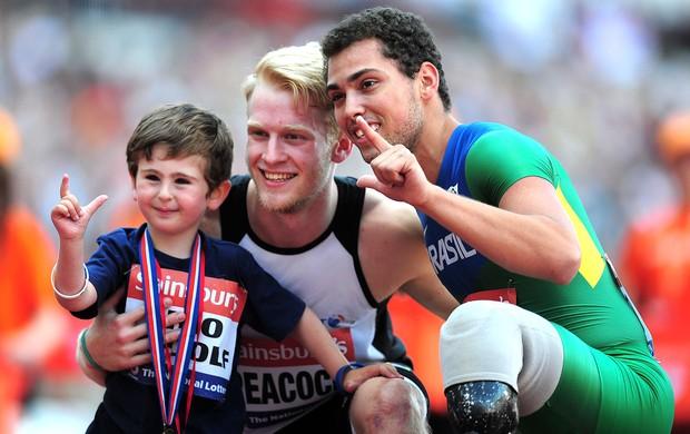 Alan Fonteles Jonnie Peacock comemoração atletismo Londres (Foto: Getty Images)