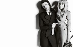 Sienna Miller e Tom Sturridge na campanha da Burberry (Foto: divulgação)