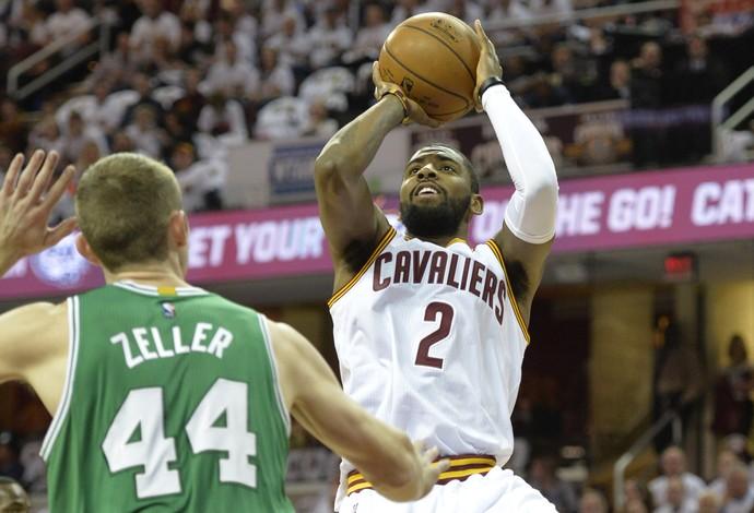 Kyle Irving foi o principal destaque do Cleveland Cavaliers na vitória sobre o Boston Celtics (Foto:  David Richard-USA TODAY Sports)