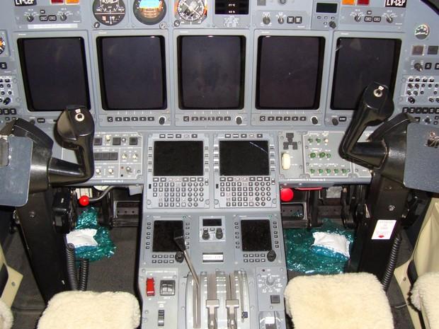 Cabine de controle do jato Cessna Citation X (Foto: Divulgação/Receita Federal)