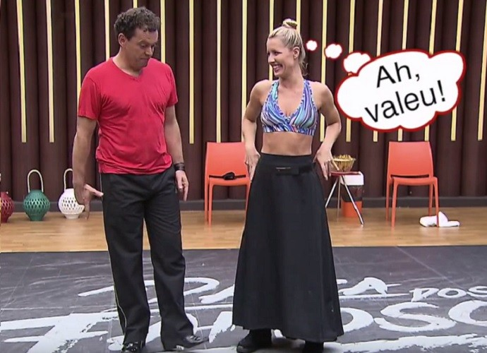 Fernando Rocha e Ju Valcézia se divertiram durante os ensaios (Foto: TV Globo)