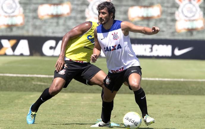 Douglas treino Corinthians (Foto: Daniel Augusto Jr. / Agência Corinthians)