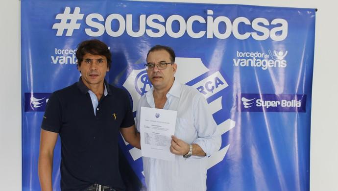 Geraldo Lessa posa ao lado de Raniel Holanda (Foto: Caio Lorena / GloboEsporte.com)