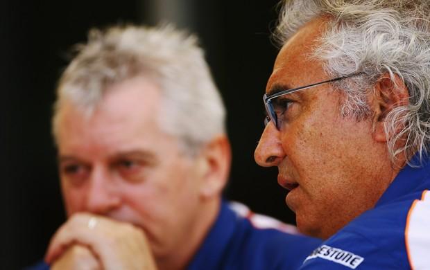 Pat Symonds e Flavio Briatore Fórmula 1 Renault (Foto: Agência Getty Images)