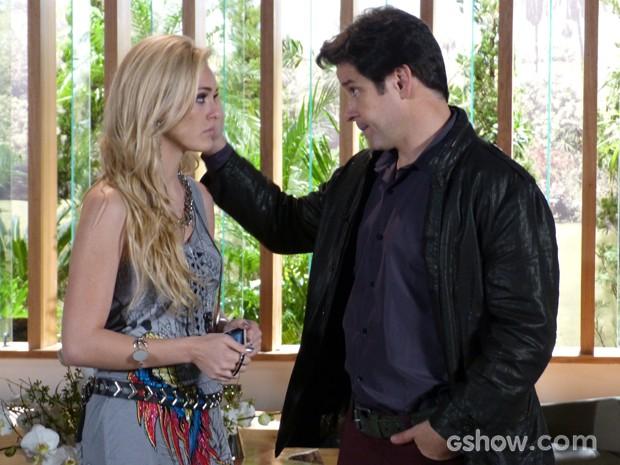 Será que Jonas vai ceder ao apelo da loira? (Foto: Geração Brasil/TV Globo)