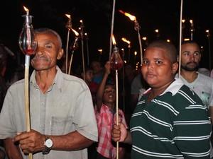 Ato religioso é passado para todas as gerações (Foto: Gilcilene Araújo/G1)