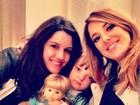 Ticiane Pinheiro posta foto da filha com uma boneca: 'Olha que fofas!'