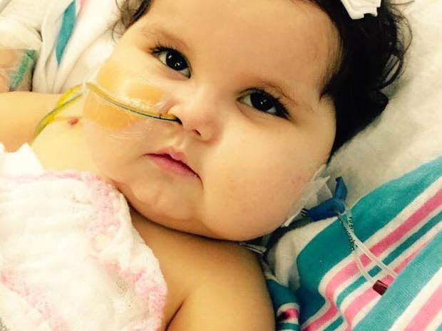 Sofia se recupera e sai de UTI (Foto: Patrícia de Lacerda/Ajuda a Sofia)