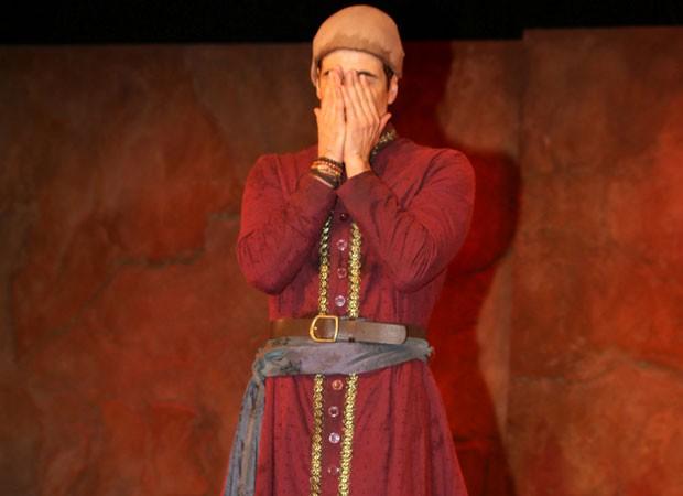 Reynaldo Gianecchini se emociona ao término do espetáculo (Foto: Thiago Duran/AgNews)