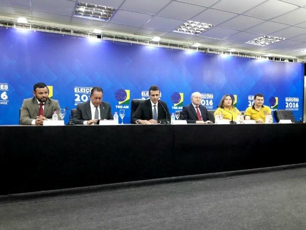 TRE realizou coletivas de imprensa ao longo do pleito (Foto: Adneison Severiano/G1 AM)
