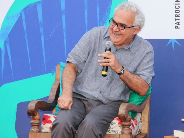 """Segundo Miltom Hatoum, para encontrar a sua """"voz"""", os autores sempre começam com as imitações de escritores já consagrados (Foto: Egi Santana/Flica)"""