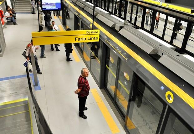 Plataforma da estação de metrô Faria Lima, que faz parte da Linha 4-Amarela (Foto: Reprodução/Facebook)