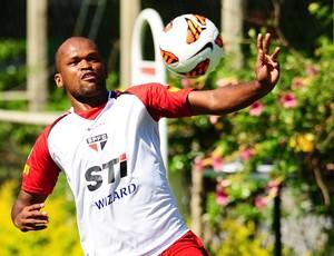 Edson Silva no treino do São Paulo (Foto: Marcos Ribolli)