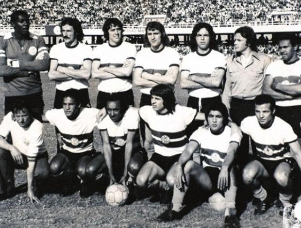 Elenco do Coritiba de 1973, tricampeão Paranaense e campeão do Torneio do Povo (Foto: Arquivo / Divulgação Coritiba)