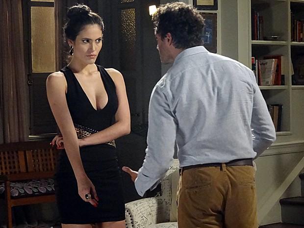 Orville fica preocupado e teme que Salvador descubra armação (Foto: TV Globo)