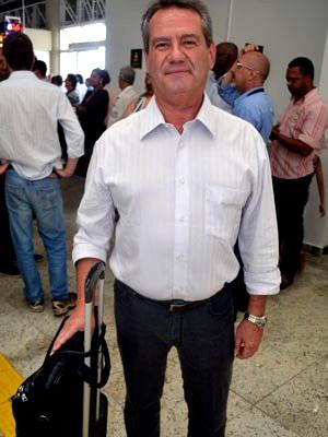 Carlos Salmazo foi um dos primeiros passageiros a pousar no novo terminal (Foto: Felipe Turioni/G1)