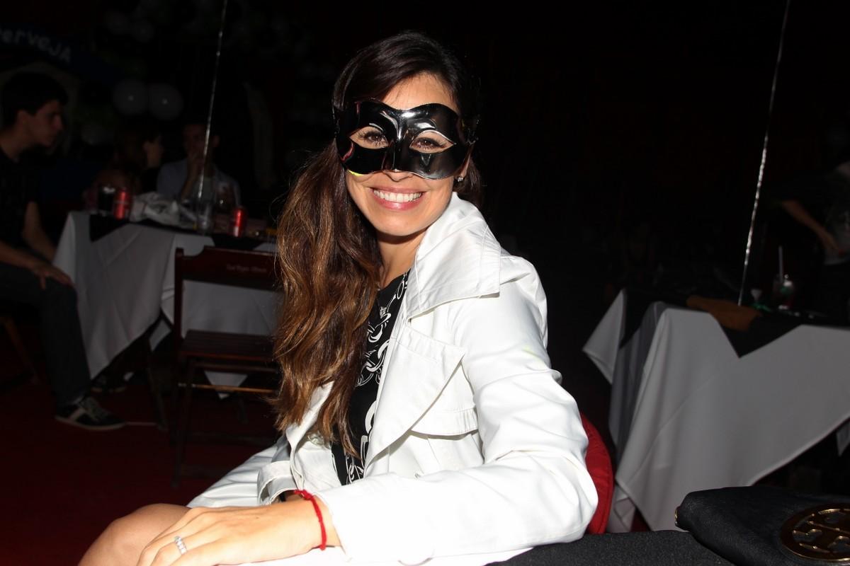 Daniela colocou máscara (Foto: Gabriel Rangel/ AgNews)