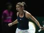 Angelique Kerber e Simone Halep vencem na abertura do WTA Finals